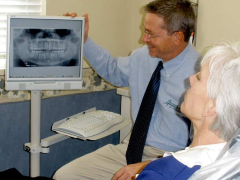 Panorex Digital Xray on Chairside computer with Dr. Kitzmiller & Patient Reviewing